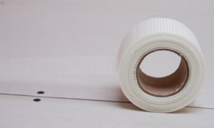 Veranneman open scrim fabrics for reinforcement of plaster, plastics and filter material